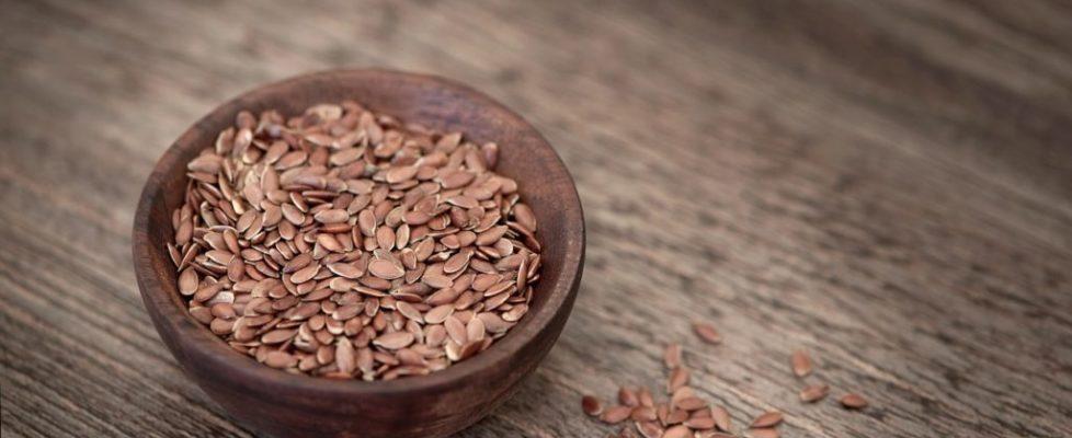 Abbassare la pressione sanguigna con i semi di lino